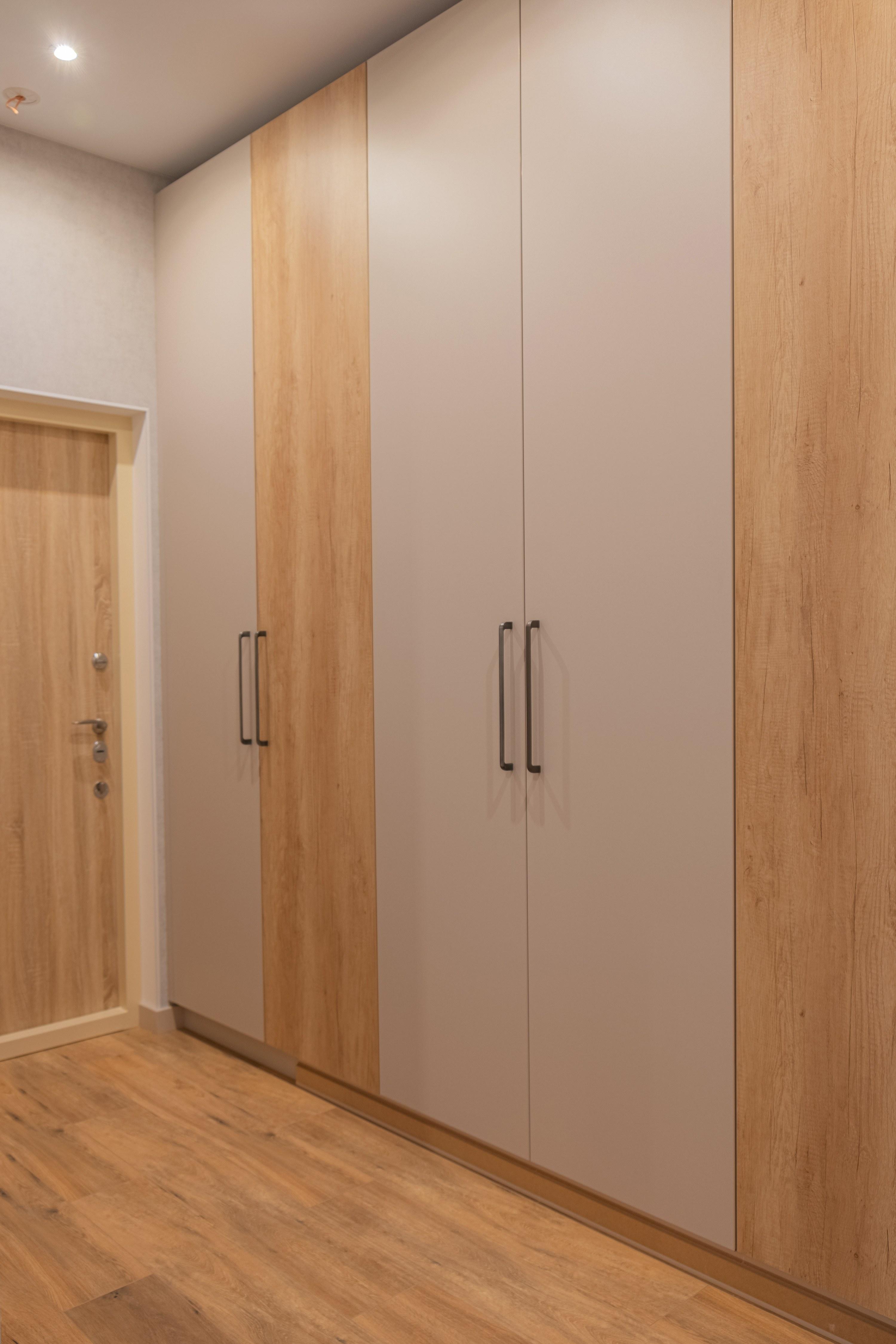 Ремонт коридора и шкафа в ЖК Гагаринский Стикон