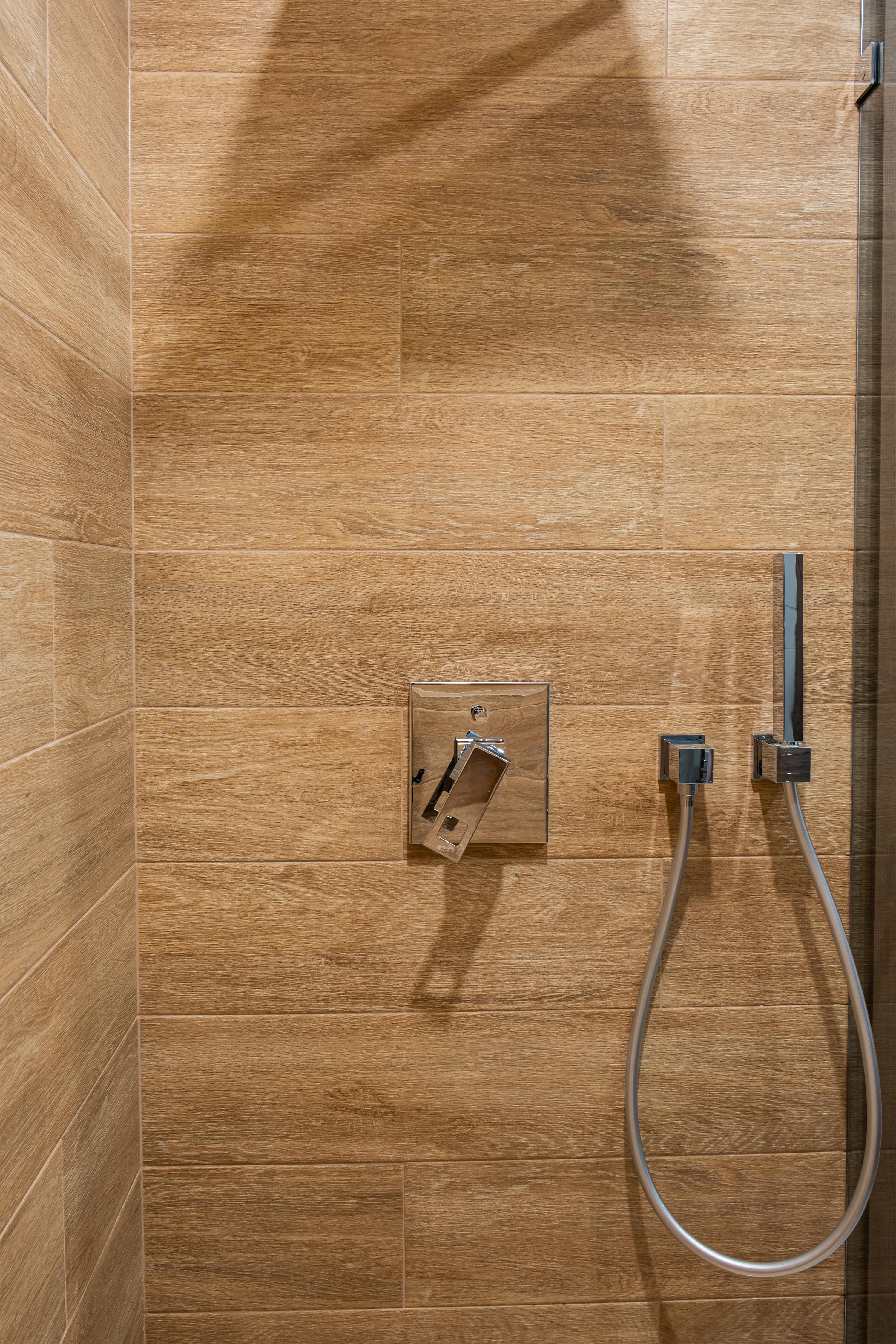 Душ в ванной комнате после ремонта в Одессе