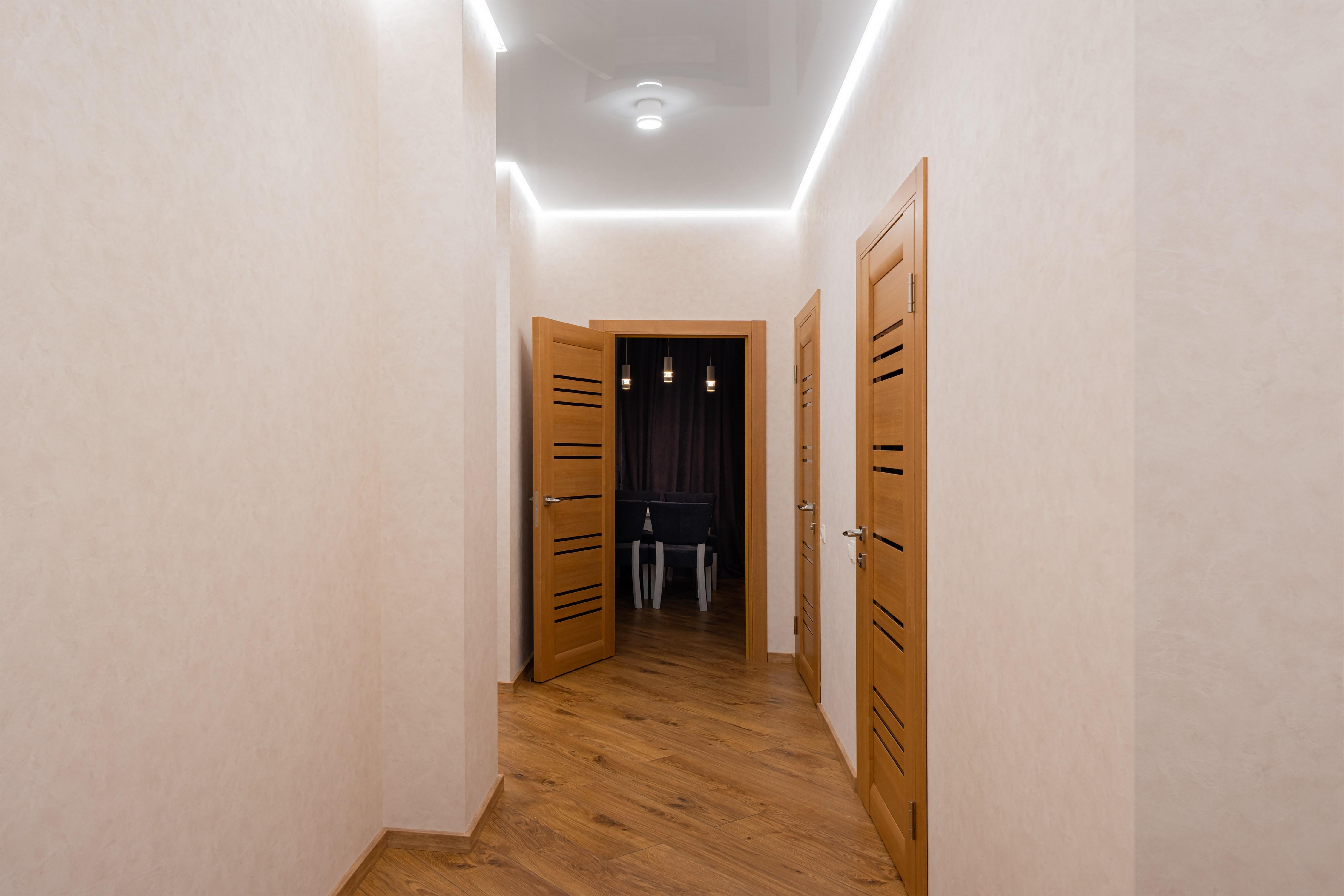 Основной коридор после ремонта в Одессе