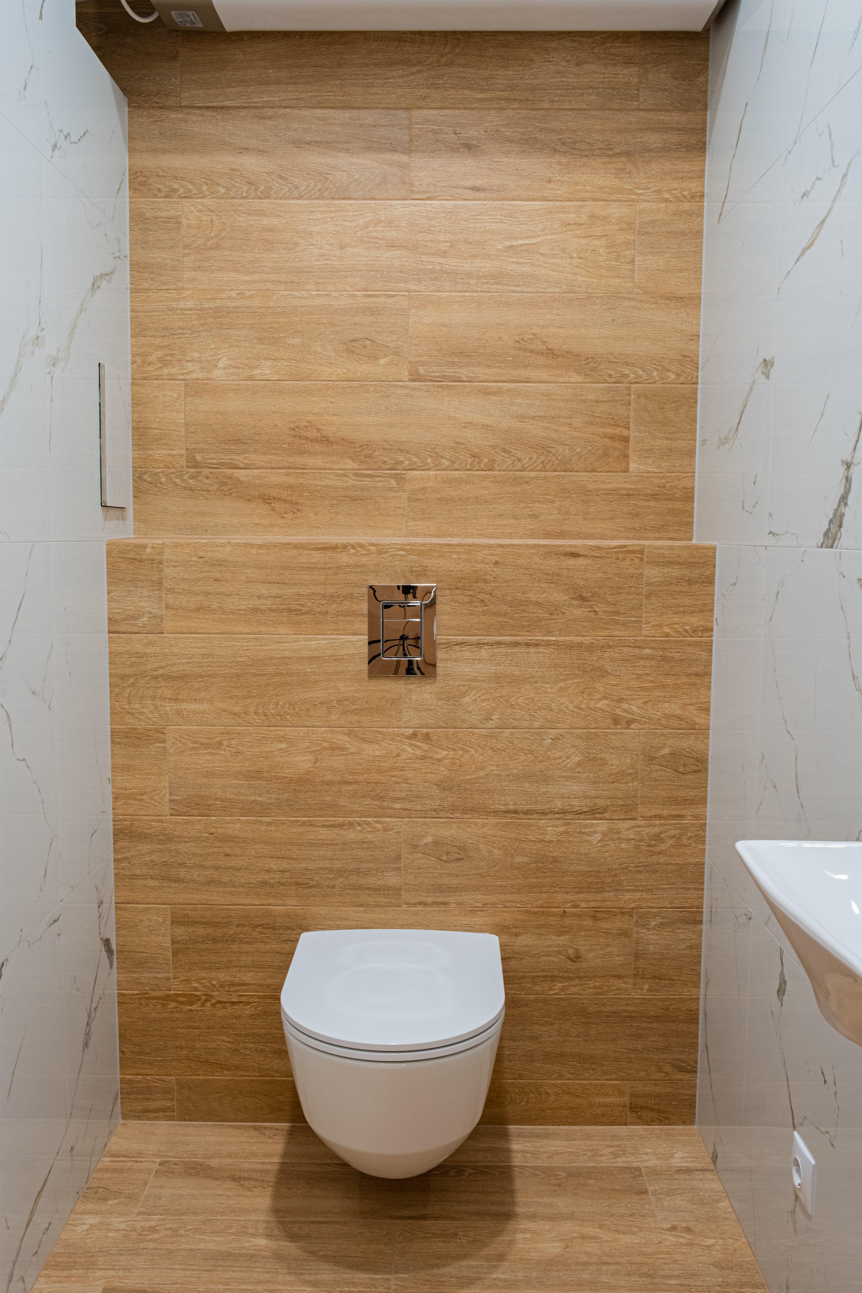 Инсталляция в туалете после ремонта квартиры в Одессе