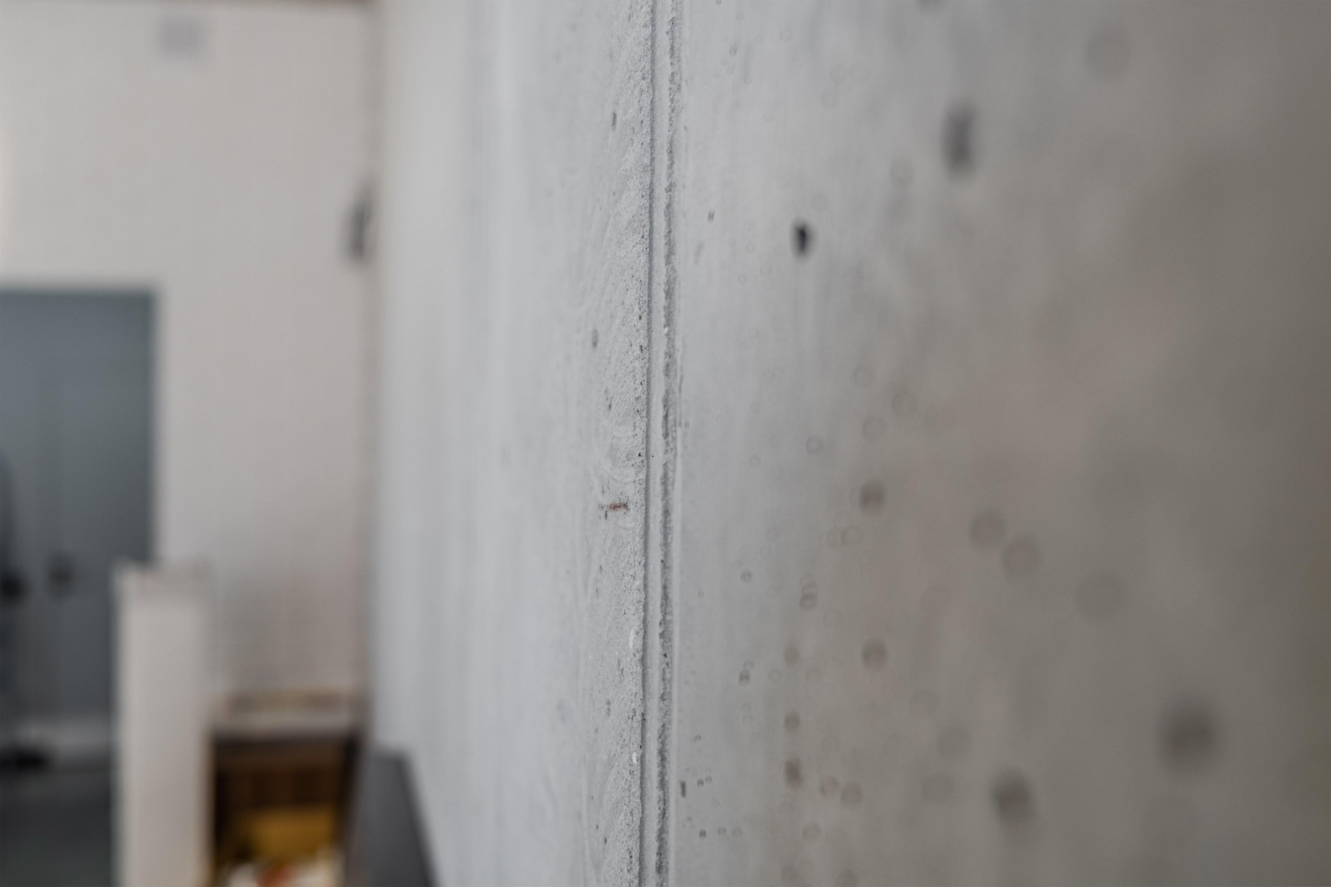Стена офиса в стиле Лофт после ремонта в Одессе