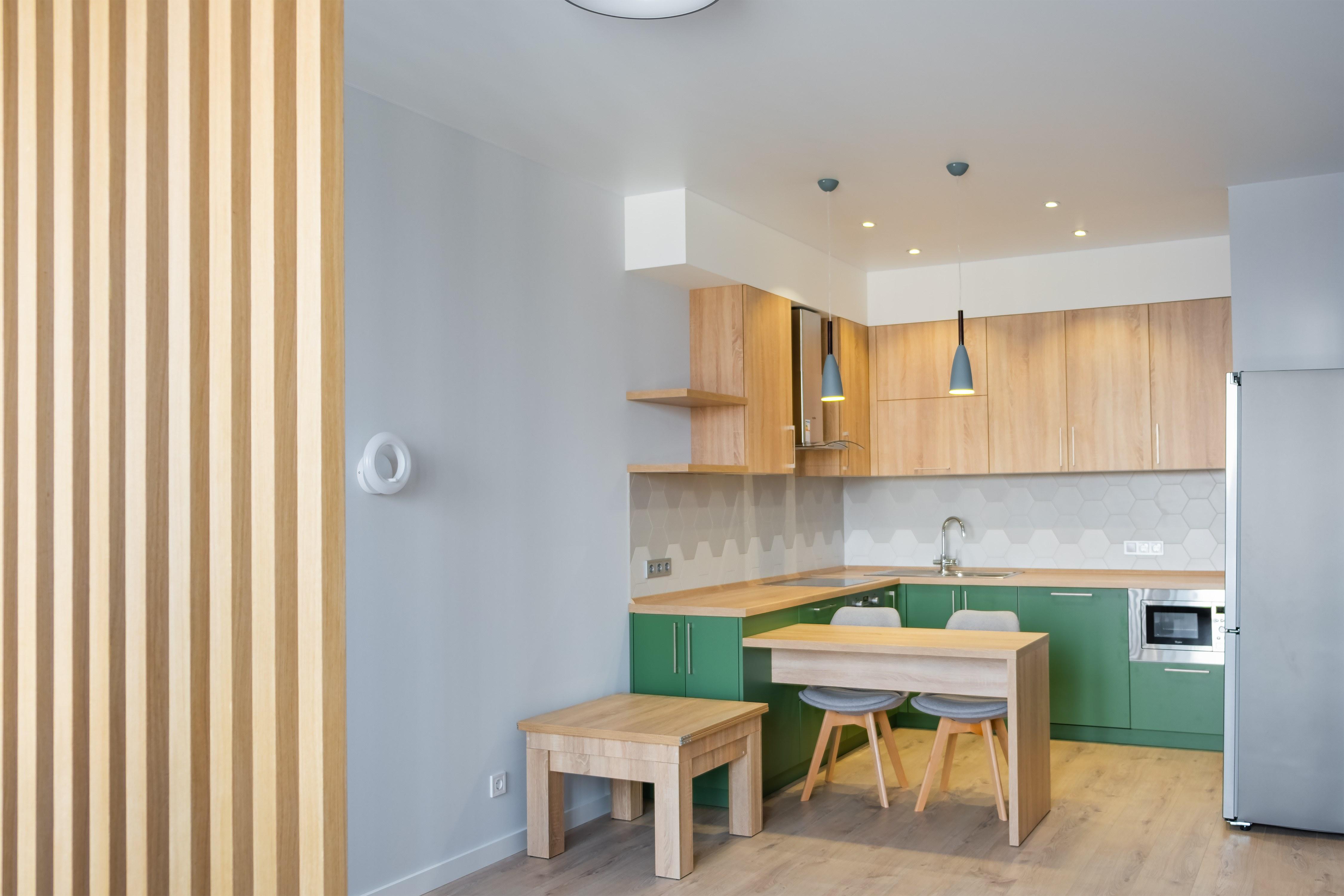 Дизайнерская кухня студия в ЖК ОМЕГА от КВАДРАТУМ