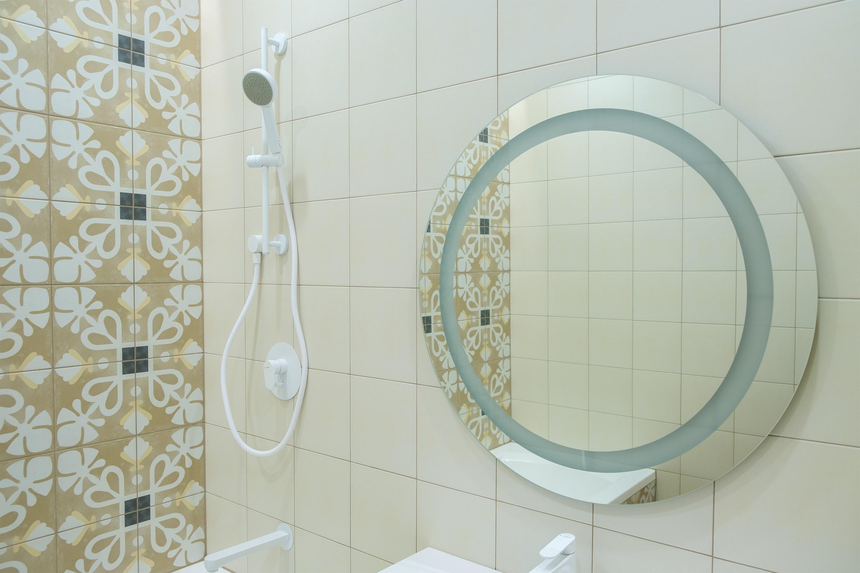 Зеркало в ванной после ремонта